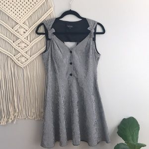 TOPSHOP Gingham Skater Dress Size US 6